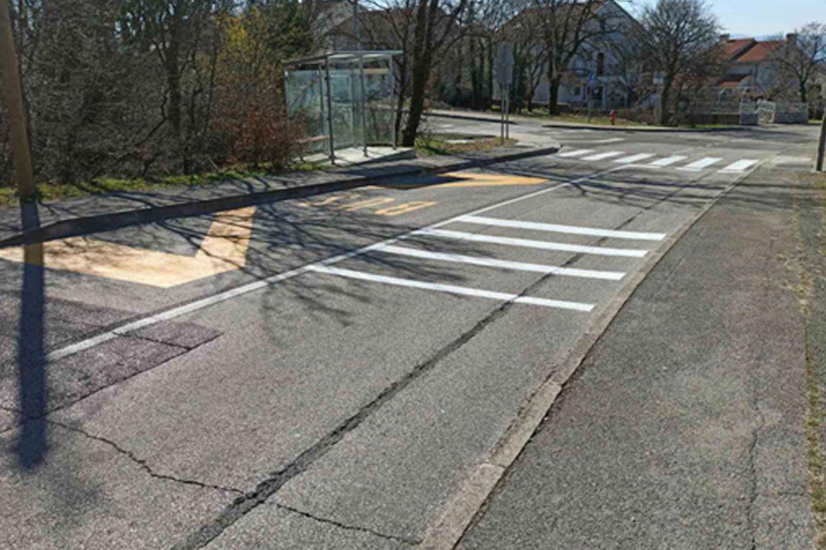 Obilježavanje novog pješačkog prijelaza na raskrižju Ulice Podbanj s Ulicom Oštro